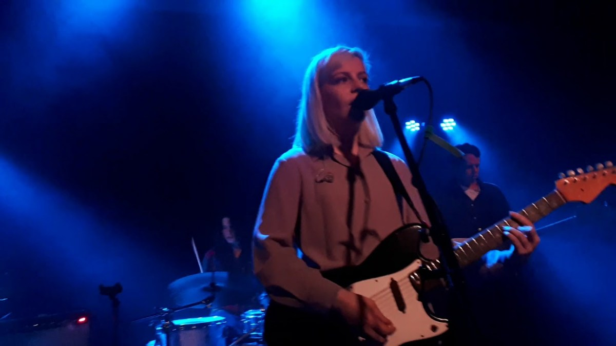 Some idiot tried to assault Alvvays singer Molly Rankin mid-show