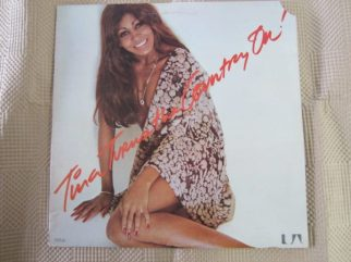 Tina Turner- Turns the Country On