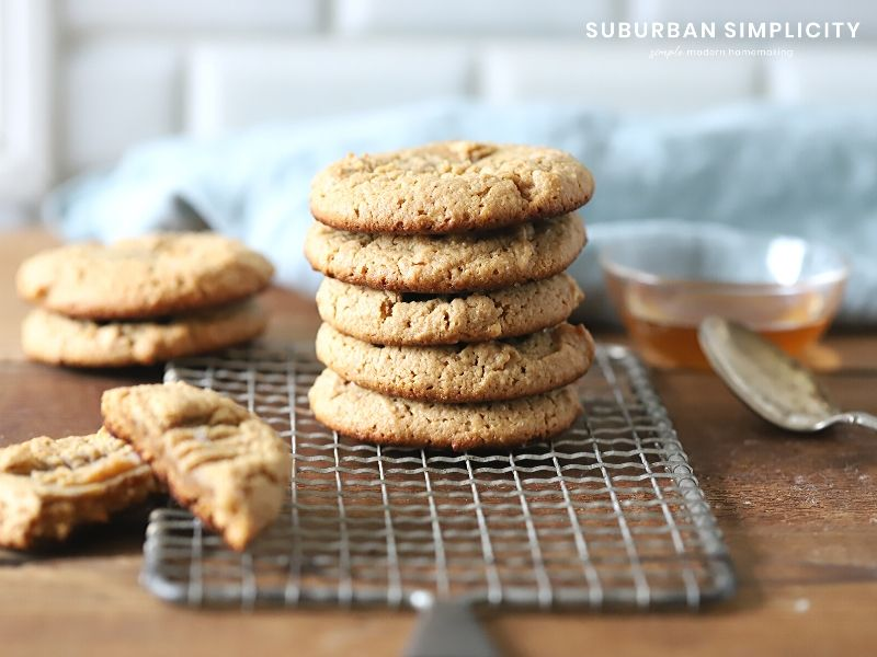 Gluten-Free Peanut Butter Cookies are healthy cookies with no flour and no refined sugar that tastes out of this world! A clean, low carb recipe perfect for those that need to avoid gluten!