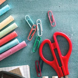 These back to school tips will help you and your kids start the year right! Parents love these clever ideas because they help keep things organized and efficient for the school year.