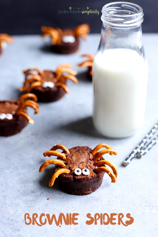 Scare up a tasty good time with these chocolatey Brownie Spiders!  An easy Halloween treat idea that's perfect for Halloween parties and playdates!