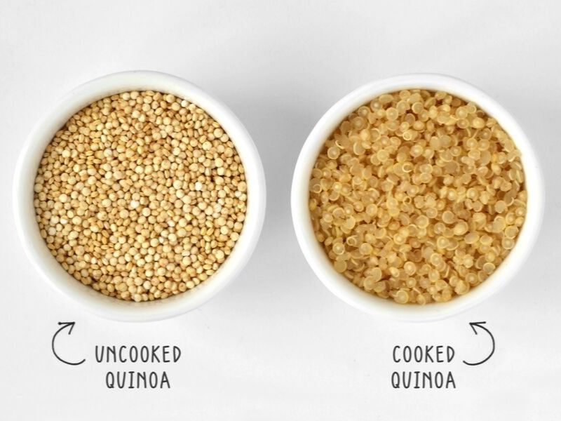 sample of cooked and uncooked quinoa