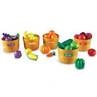 Learning Resources Farmer's Market Color Sorting Set with Play Food, Fruits and Vegetables