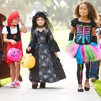It's the time of year when ghosts and goblins come out! Make your Halloween safe and fun with these 5 Important Halloween Safety Tips!