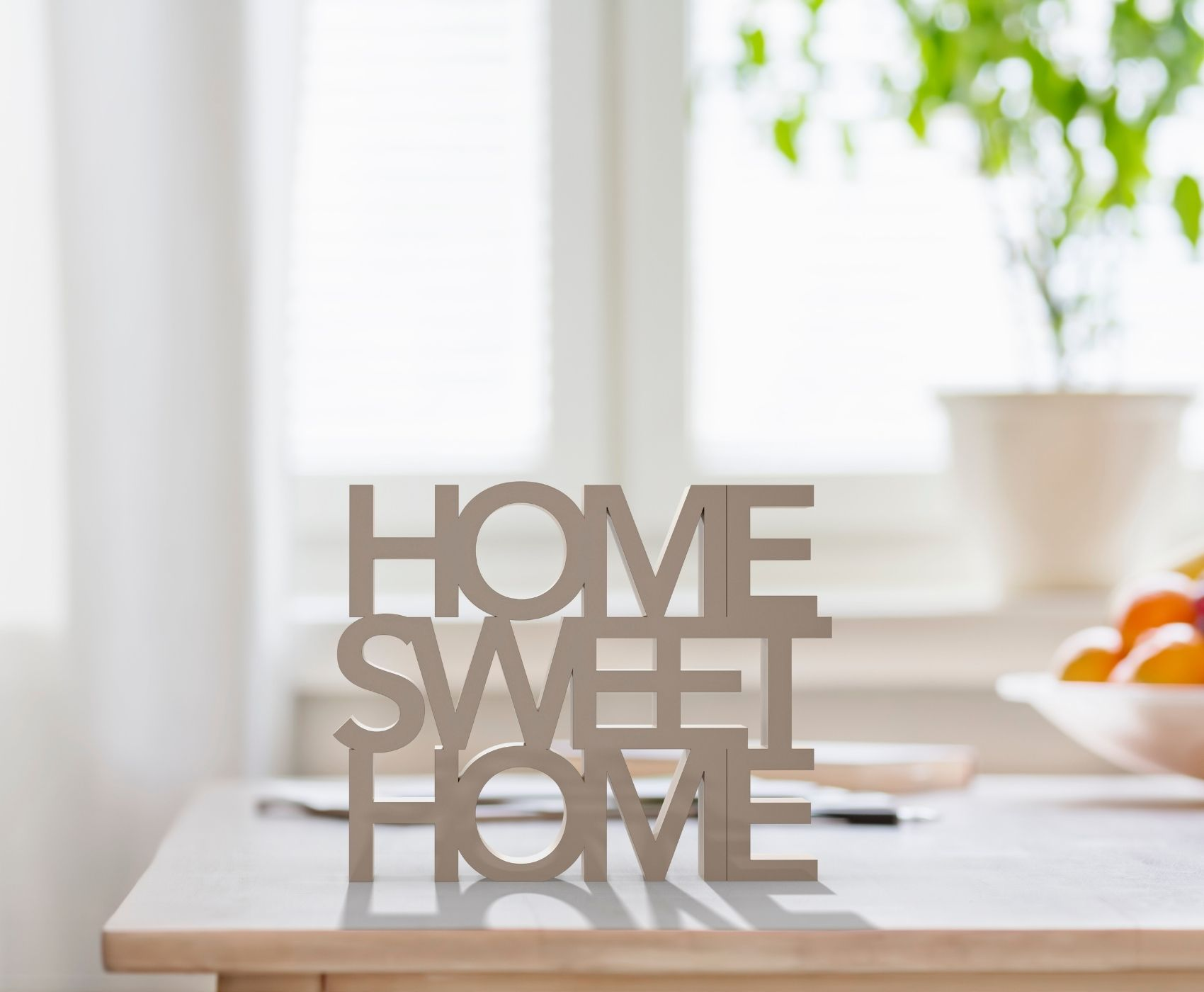 Looking for some help getting more things done around your house? These Simple Time-Saving Tips for Busy Moms include helpful hacks and clever shortcuts to help you get more done around the house.
