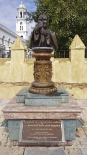 Statue Pope John Paul II in Santo Domingo sm2