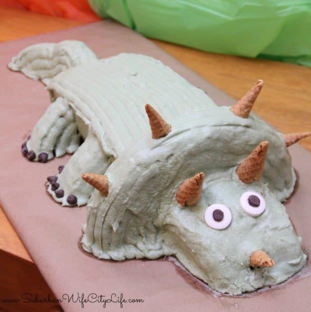 Dino Dig Triceratops cake