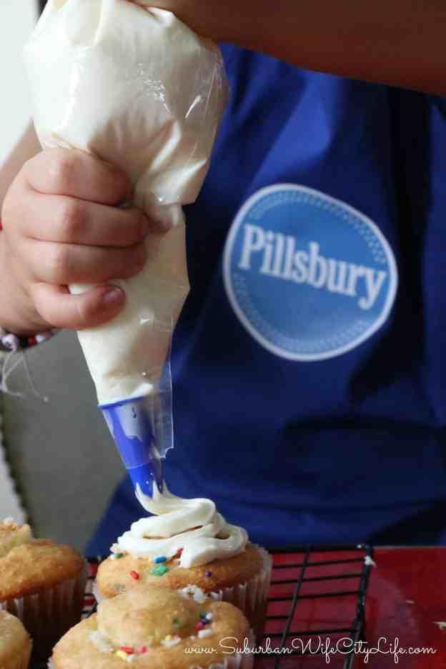Pillsbury Pre-Filled Pastry Bag