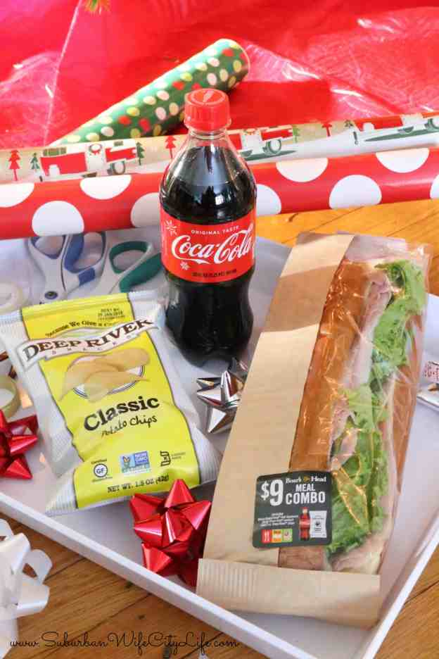 Christmas Wrapping Picnic Date