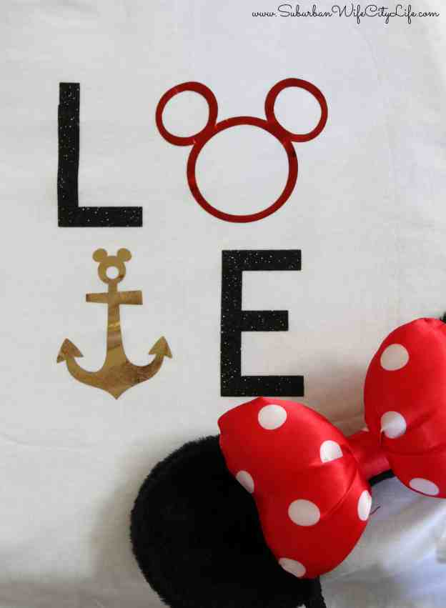 DIY Disney LOVE shirt #CricutMade #DisneySMMC