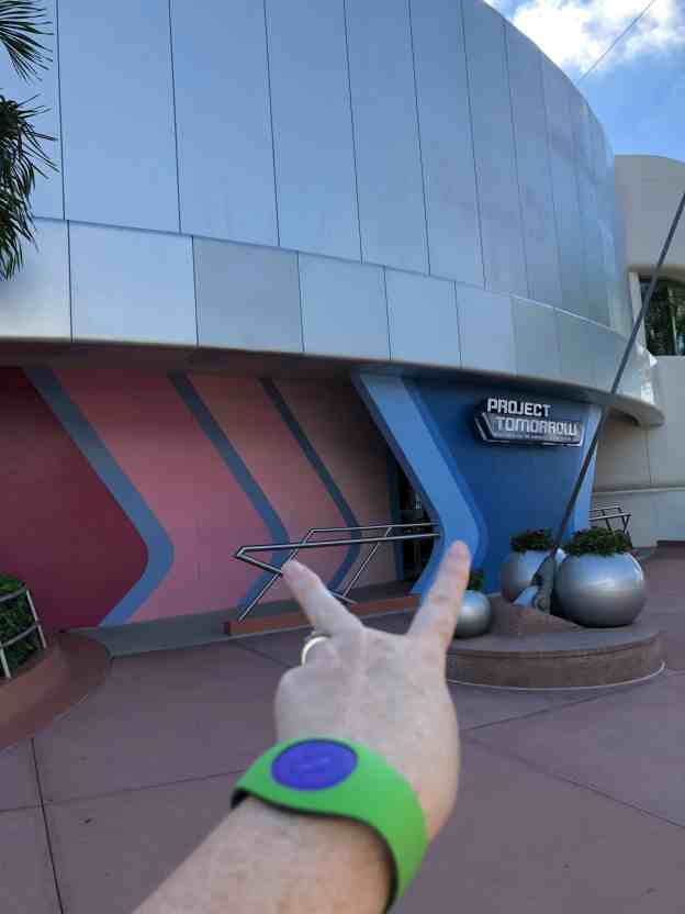 Epcot - Where to find the Bubblegum Wall & Blueberry wall