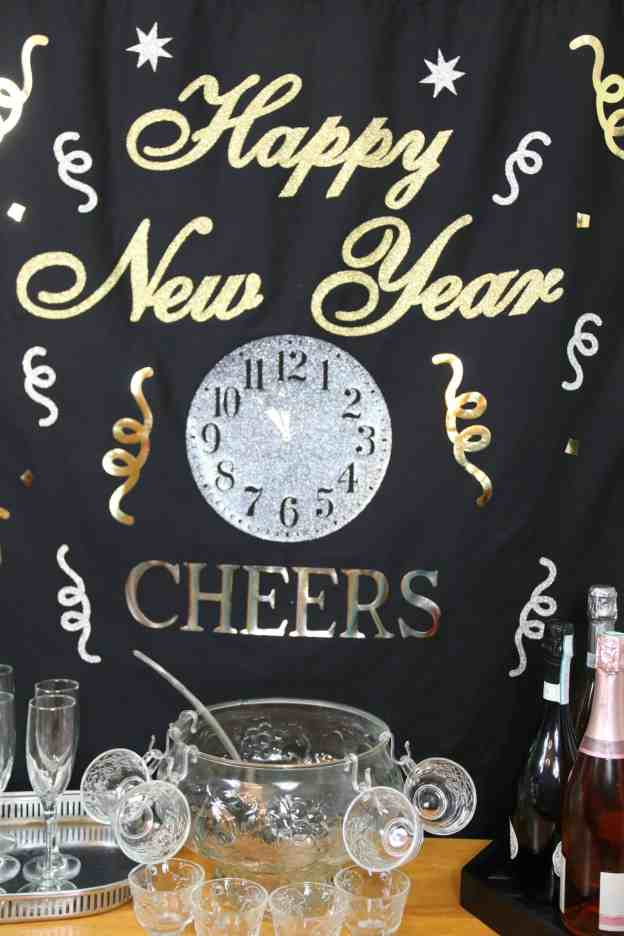 New Years Eve Backdrop With Cricut Easypress 2 Suburban Wife