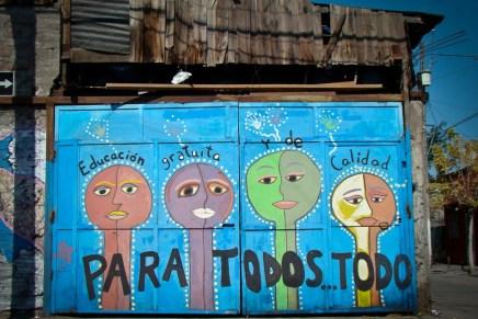 Hasta La Victoria: pintar los muros de Santiago de Chile