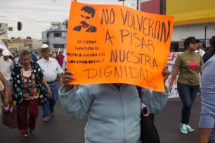 «No aprobamos que de nuevo los españoles vengan a despojarnos. Tampoco creemos que nos quieran dar trabajo porque sobrevivimos gracias al campo. Nunca pedimos la termoeléctrica, eso no es desarrollo» manifiestan participantes de la protestas, quienes evocan a Zapata como ícono de resistencia en Morelos.