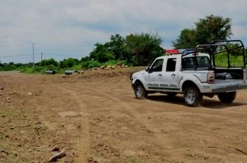 Policía municipal, resguarda el inicio del gasoducto, que ya se encuentra en su primera fase de construcción. En algunos poblados se denuncia la presencia de militares.