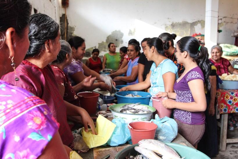 Mujeres zapotecas del Istmo. Fotografía: Santiago Navarro F.
