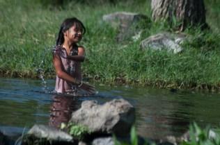 El Vado en Miraflores. Niños, jóvenes y adultos todavía disfrutan del río.