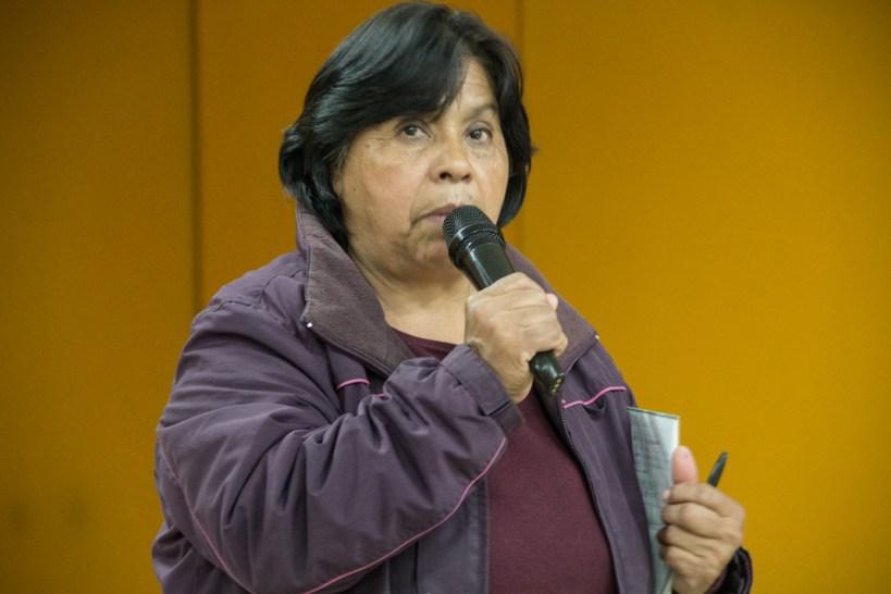Trinidad Ramírez del Frente de Pueblos en Defensa de la Tierra, expuso el caso de Atenco: Medios, represión y despojo de tierras. Fotografía: Heriberto Paredes.