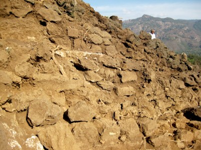 02 La zona arqueológica de Tlaxomolco comienza a revelar sus secretos a la altura del km