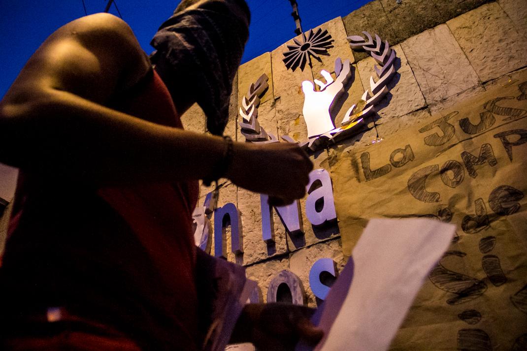 Marcha por desaparecidos de Ayotzinapa en Morelia - Alejandro Amado (23)