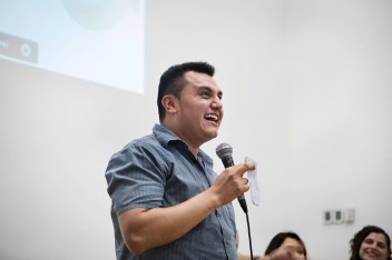 Moisés Said Zarco Guevara, integrante de Los Otros Dreamers, durante su discurso