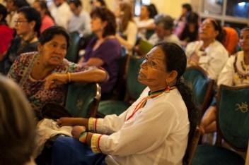 Mujeres de diferentes pueblos originarios asisten al Tribunal. Foto: Juliana Bittencourt
