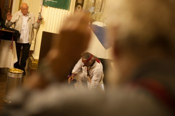 Ritual para finalizar el Tribunal. Foto: Juliana Bittencourt