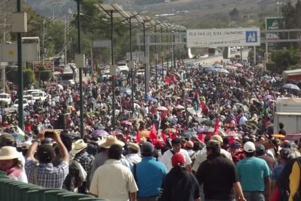 Ayotzinapa  ¡La constitución ha muerto!