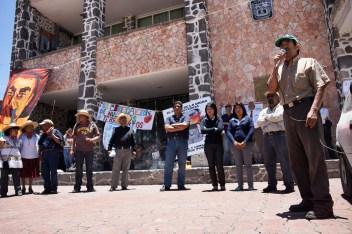 Habitantes de Ozumbilla, Acolman y Huitzizilapan arremetieron contra los gobiernos municipales