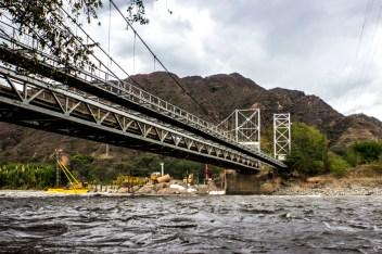 Los pescadores de la zona se han visto gravemente afectados y han denunciado estar padeciendo hambre, ahora que, por efectos de los trabajos sobre el río se está escaseando el pescado en el afluente del gran río Magdalena.