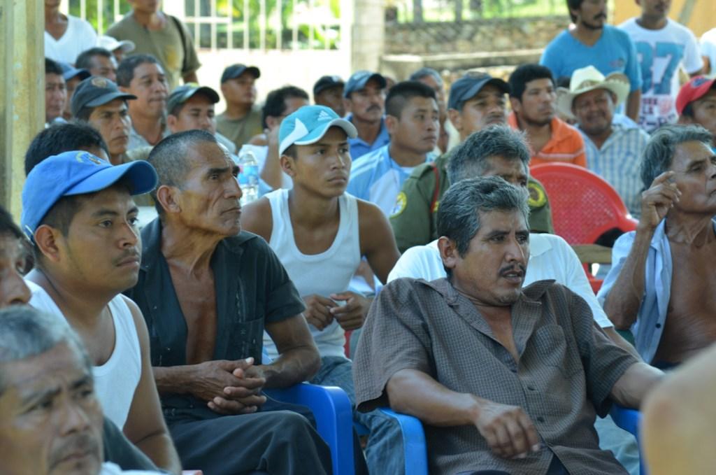 Asamblea regional de los pueblos fundadores de la CRAC-PC, comunidad del Carmen, San Luis Acatlán Guerrero. Noviembre del 2014. Fotografía: José Luis Santillán