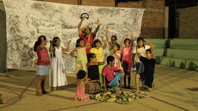 Como parte de la clausura se realizó una obra de teatro con niños y niñas de la comunidad con la temática de defensa del territorio. Fotografía: César Andrade