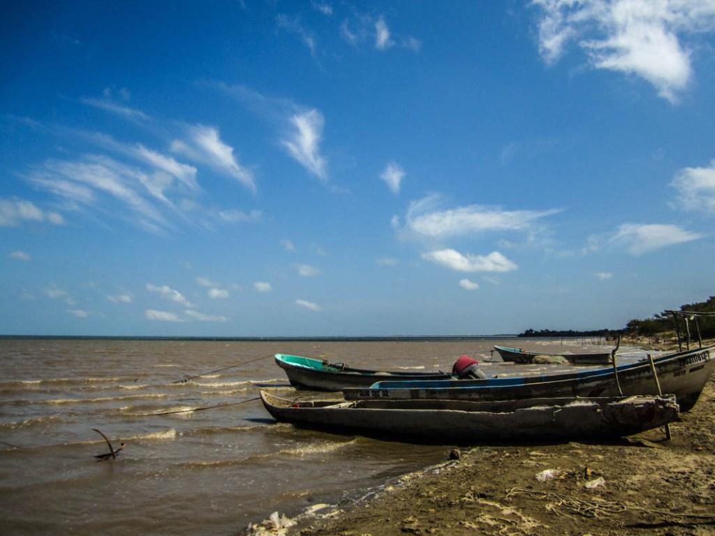 Las lanchas de los pescadores de Álvaro Obregón, abril 2014. Fotografía: Valentina Valle