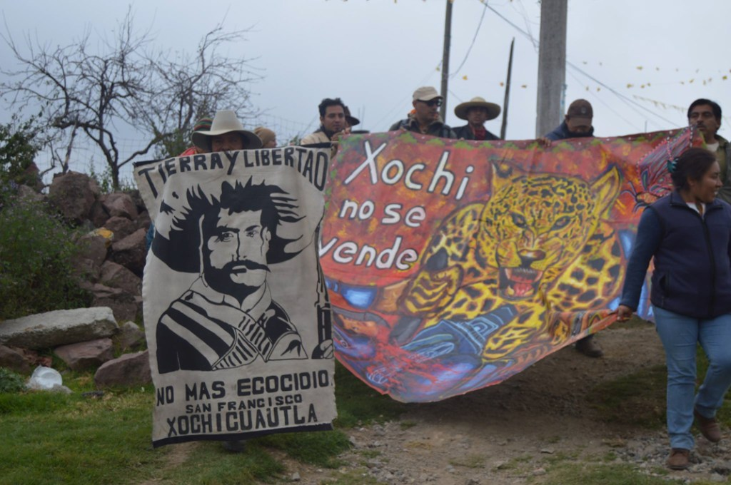 También se contó con la presencia de la comunidad otomí de San Francisco Xochicuautla, quien enfrenta una disputa por la conservación de su bosque, el cual está en riesgo por la cosntrucción de una carretera. Fotografía: Carlos Chávez