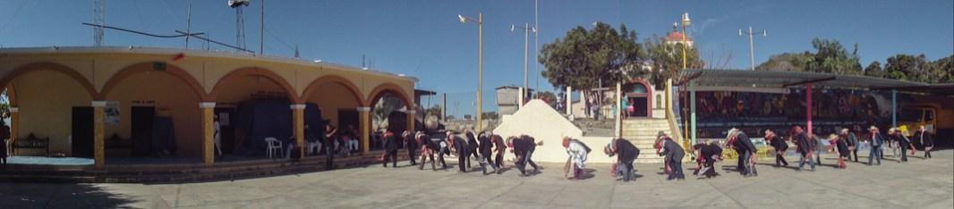 Baile de «Los Tejorones». Aspectos del carnaval en Santa Maria Jicaltepec, en la región de la Costa Chica de Oaxaca. Por Aldo Santiago.
