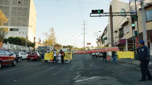 Ocupación de Avenida Aztecas para realizar la asamblea