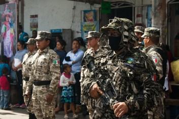 La Ronda Comunitaria y los Guardabosques durante el acto cívico del aniversario 5to del levantamiento. Por Romeo LopCam.