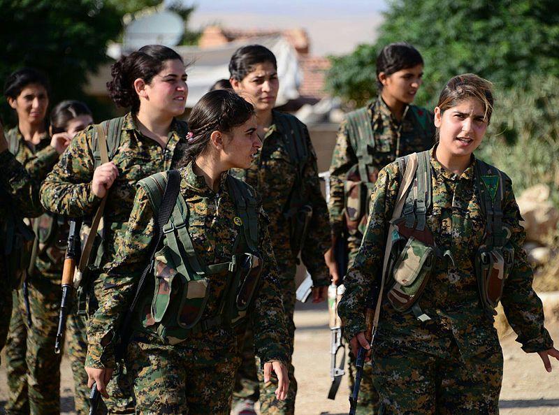 Combatientes de las YPJ. Fotografía: CC By Free Kurdistan.