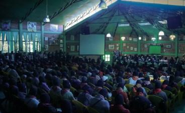 El auditorio del CIDECI lleno a reventar. Foto por María González.