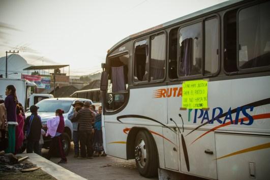 Centro de la comunidad indígena Purépecha de Arantepacua, durante el arribo de los 37 comuneros que continuaran su proceso jurídico en libertad condicionada. Foto: Cristian Leyva
