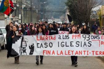 Marcha estudiantes secundarios Temuco (foto Felipe Durán)