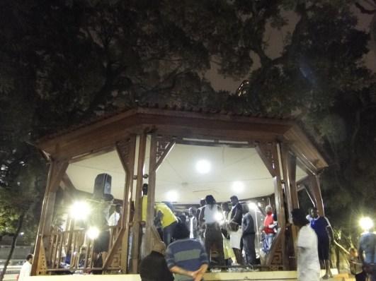 Africanos ocupan plaza de centro de São Paulo_foto RenataBessi