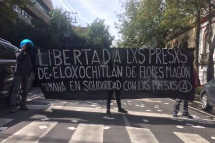 Acción en solidaridad con los presos de Eloxochitlán de Flores Magón