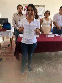 Elisa Zepeda recibe su constancia como diputada electa