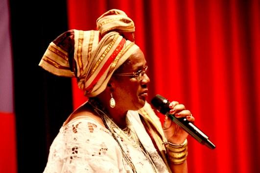 Iyá Sandrali de la Red Nacional de Religiones Afro.