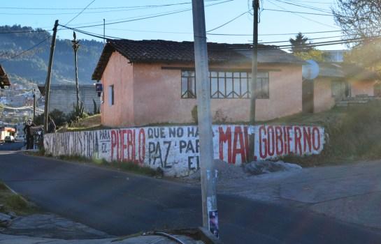 """18 de enero de 2016. Otra de las formas de control social que le ha funcionado perfectamente al llamado """"Grupo Atlacomulco"""" para lograr imponer sus proyectos empresariales a las comunidades afectadas por ellos, es atreves de la división inter-comunitaria. Fotografía: José Luis Santillán"""
