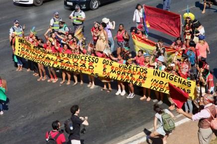 Marcha de Mujeres Indígenas de Brasil: Territorio, nuestro cuerpo, nuestro espíritu