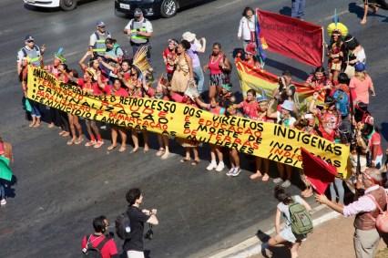 I Marcha de las Mujeres Indígenas de Brasil. Por Itandehuy Castañeda.