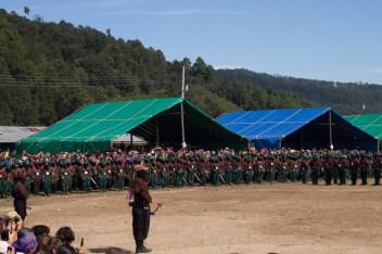 Insurgentas y milicianas en formación. Foto por Natalia Magdaleno.