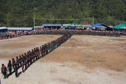 Insurgentas y milicianas en formación. Foto por Regina López.